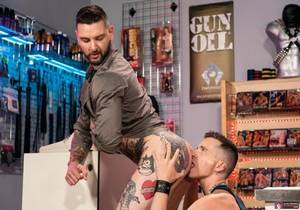 video Axel Abysse & Teddy Bryce – Fisting Theater, Scene 5