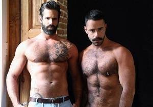 video Dani Robles offer 2 loads to Teddy Torres (Bareback)