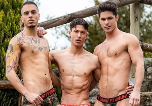 video Devin Franco, Ruslan Angelo, Leo Rex – Ball Zapping Action (Bareback)