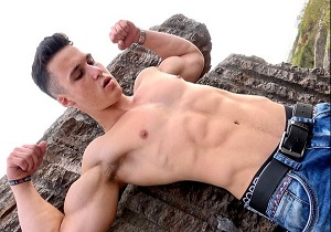 video Keith Christman – Muscle Worship and Flex – Part One