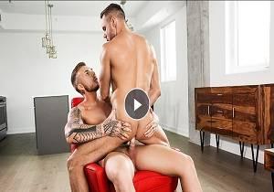 video Caio Veyron fucks Alex Roman (Bareback)