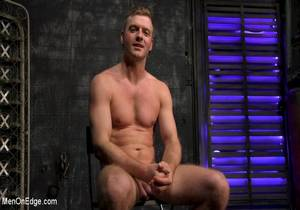 video Newcomer Straight Stud Sean Holmes Submits to Dominic Pacifico