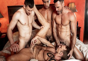 video Daddy Orgy – Andrey Vic, Manuel Skye, Dallas Steele & Benjamin Gomez