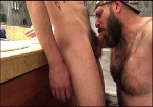 video RealMenFullBush Sucking A Young Bear