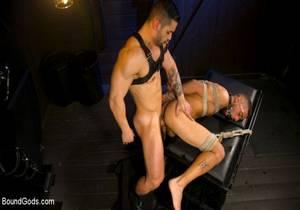 video Arads New Boy – Ricky Daniels Serves The House