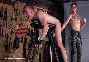 video Blake Ellis – Total Submission – Chapter 5
