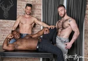 video Born For Porn : Kris de Fabio, Ridder Rivera, Manuel Scalco (Bareback)