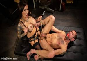 video Divine Therapy : Gia DiMarco Uses Unconventional Procedures to Punish