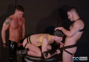 video Dominic Pacifico, Drew Dixon, Cazden Hunter – Black Box Orgy (Bareback)