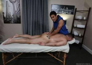 video Julian Knowles, Mateo Fernandez – Big Cock Massage (Bareback)