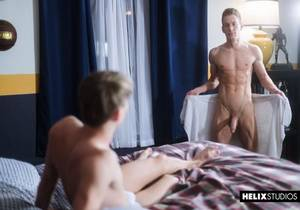 video Kyle Ross, Kevin Daley – Huge (Bareback)