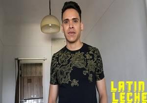 video LatinLeche – Numero 50 (Bareback)