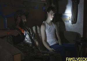 video Raised In A Trailer – Lights Out – Dad – Matt Muck & Boy – Toby Muck (Bareback)