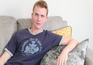 video Sky Clesi Jerks Off On The Couch