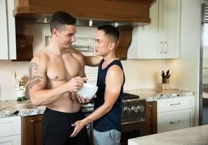 video Spencer Laval, Marcus Tresor – Breakfast At Spencers (Bareback)