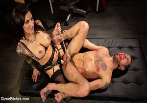 video Divine Therapy Gia DiMarco Uses Unconventional Procedures To Punish