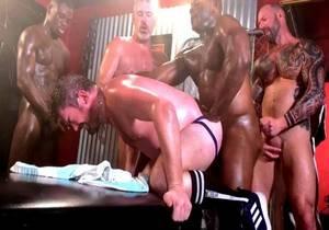 That Slut Londons Gangbang Pt 2 – Vic Rocco, Jay Donahue, Aaron Trainer, Benjamin Grey, Van…