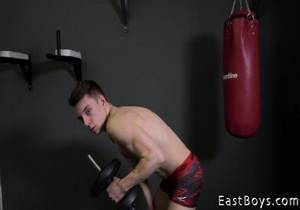 EastBoys – Victor Schumann – Casting – Muscle flex