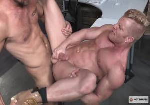 HotHouse – On The Market – Johnny V & Wesley Woods