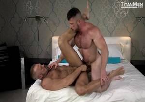TitanMen – 2 Men Kiss – Dallas Steele & Liam Knox