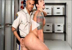 Caught With His Pants Down – Beaux Banks & Dakota Payne
