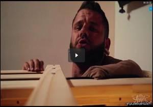 Bed Head – Daisy Taylor & Johnny Hill