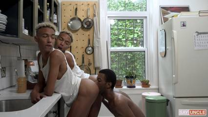 Identical twins Dante & Diego Cash take Eric Ford's big dick raw – Snack Time