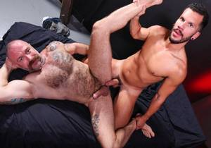 EBD – Pound Me With That Big Dick! – Marco Lorenzo & Musclebear Montreal