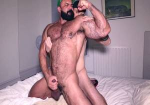 RR – Rogan Richards – RO-RI Pec Play with CJ