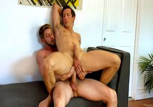 FS – My Hot Roommate, Pranking Isaac – Johnny Ford & Isaac Parker