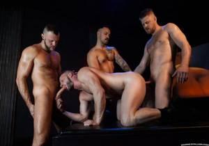 RS – Cock Hunter – Logan Stevens, Brian Bonds, Wade Wolfgar & Dev Tyler