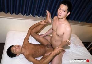JB – Teppei Teaches Some Tricks to Kaoru