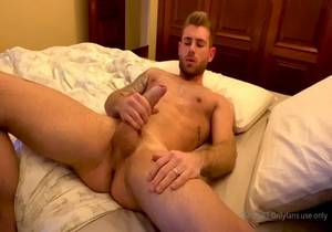 Guysnet – MORNING JERKOFF with @Aaron48