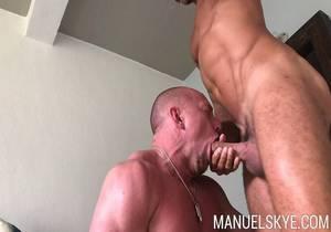 Manuel Skye – Having a taste of @tldysons sweet man scent…