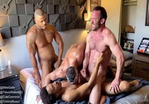 Trevor Wallon, Cole Connor, Mike Gaite & Tommy Bluezz (Bareback)