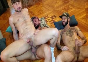 Hole Stretching 3Way in Madrid Part 1 (Bareback)